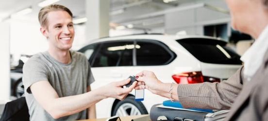 Handige Tips om Je eerst auto te kopen-